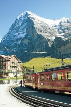Trem nos Alpes