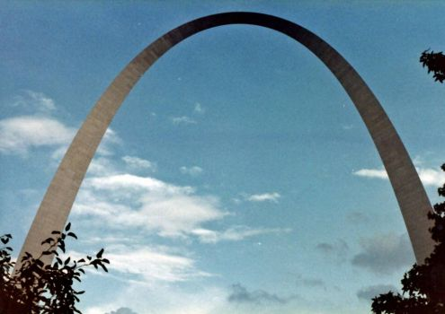 1981 Shot of St Louis Arch