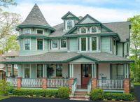 Charming Queen Anne Victorian Home