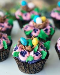 Easter Chocolate Mud Cupcakes recipe link included