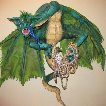 THEME . green-dragon-on-the-wall