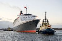 "Tugs ""Svitzer Sussex"" and ""Svitzer Madelaine""working the-QE2"