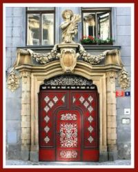 Red-door-in-Prague