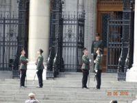výmena stráže -exchange of gards