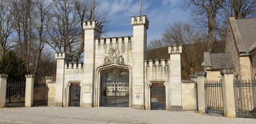 Tor zum Schlossgarten Hernstein