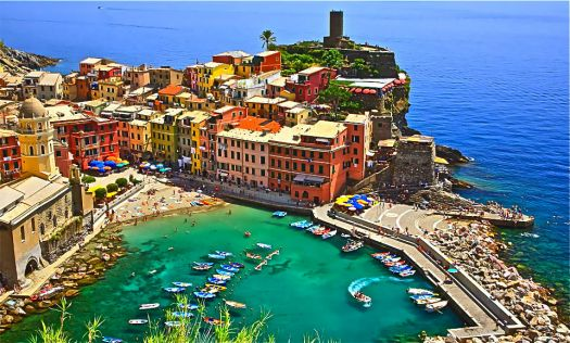 ITALY - SEASIDE TOWN
