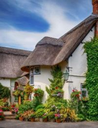 A lovely thatched cottage, Welford-on-Avon, Cotswolds