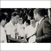 A-teenage-Bill-Clinton-meets-with-John-F.-Kennedy