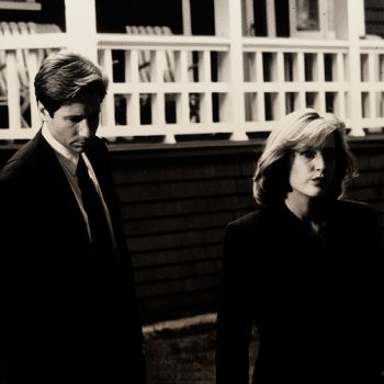 Gillian Anderson as Dana Scully and David Duchovny as Fox Mulder in the X-Files (again)