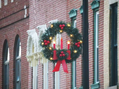 Wreath on State St in Litchfield