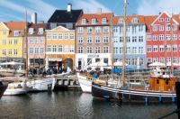 Nyhavn i april