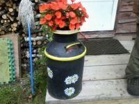 003 Milkcan flowerpot.