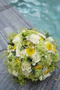 Bride flowers and rings