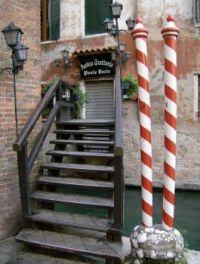 Trattoria, Venice. by JoeDuck /Flickr