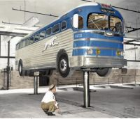 1940s - Greyhound inspection