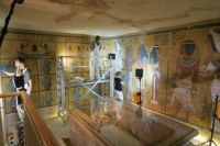Wall paintings conservation work being conducted in the burial chamber of the tomb in spring 2016