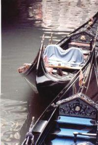 gondolas in waiting