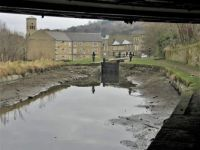 A cruise along the Huddersfield Narrow Canal (922)