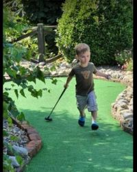 Oscar playing crazy golf