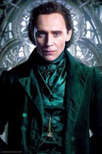 Pretty men in decadent clothing 9: Tom Hiddleston