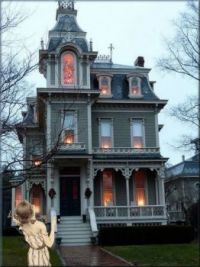 My Love For Victorian Houses! :)