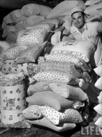 When they realized women were using their sacks to make clothes for their children, flour mills of the 30s started using flowere