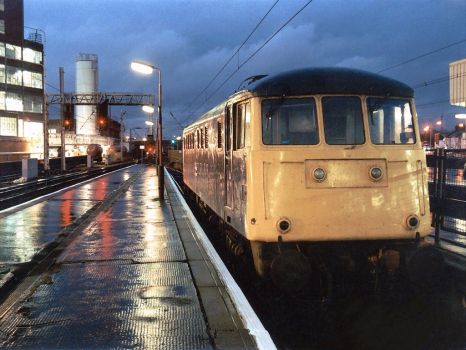 Class 81008 at Warrington Bank Quay railway station - 28th Oct 1986
