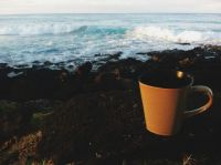 beach & yellow cup