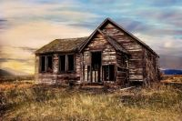 Old house on the prairie