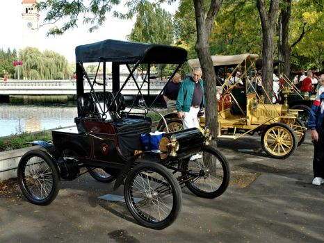 1902-Oldsmobile Mode R Curved Dash Runabout