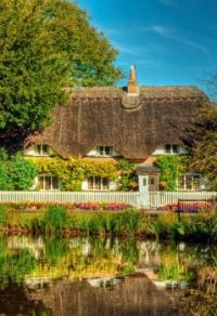 Thatched Cottage in the tiny village of Crawley, near Winchester