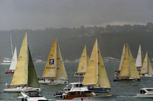 Sydney Hobart race start (large)