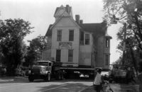 THEME:  Vintage Photos  Moving the Mote-Morris home along Main Street Leesburg, FL on September 1, 1990.