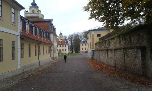 cesta k nádvoří a zámku