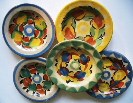 Cheerful Pottery Dishes