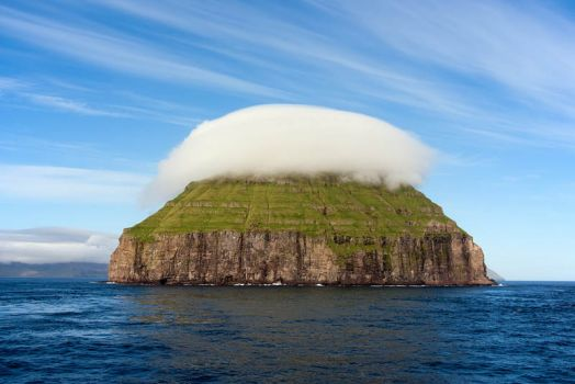 The Cloud covered Island of Litladimun.