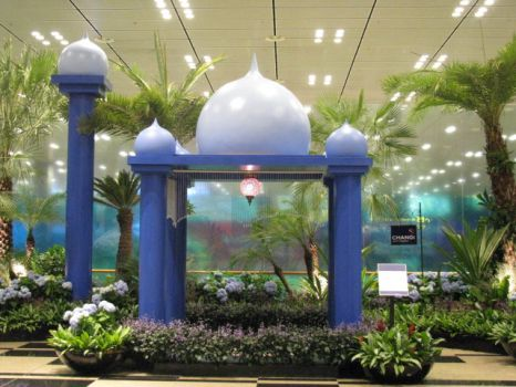 Changi In'tl Airport T3 : A corner set aside to show its visitors the many different festive seasons & cultures in Singapore
