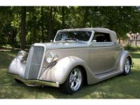 Custom 1935 Ford Cabriolet, neat lines!