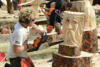 sculpting with a chainsaw