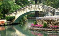 027 Romantic Places