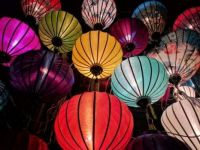 sky lanterns in glorious color