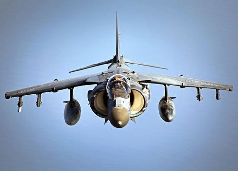 AV-88 Harrier ready to refuel