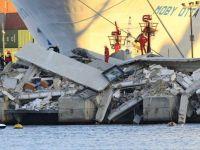 Ship crashes