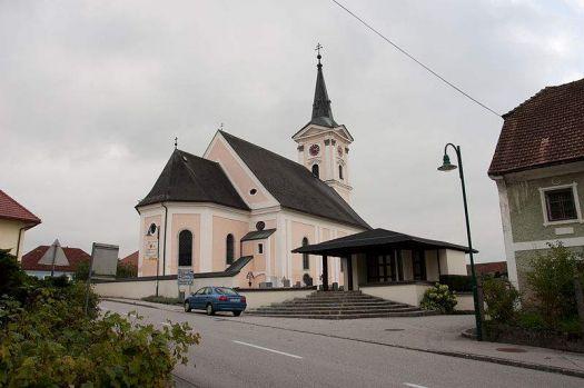 800px-Church_of_Aistersheim