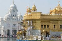 Cleaning the Golden Temple