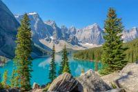 Mountain-scenery-Canada