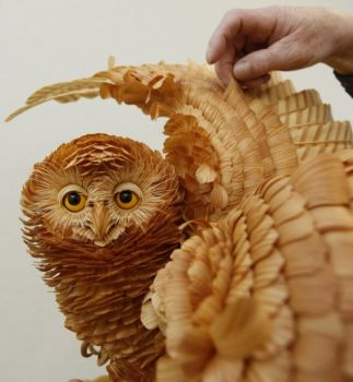 Animal-Sculptures-made-of-wood-chips-and-shavings-01-634x686