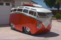 Ron-Berry-Surf-Seeker-Custom-VW-Cartoon-Bus-Featured-image