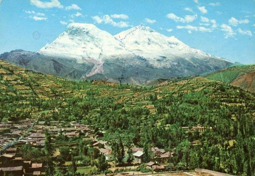 The path traced to climb the Huascarán
