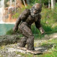Theme: Lawn Ornament - Bigfoot Yeti  Garden Statue by Design Toscano